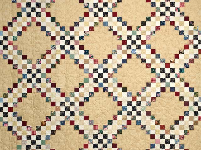 Scrappy Triple Irish Chain Quilt Photo 3