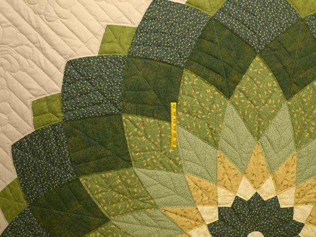 Green and Tan Giant Dahlia Quilt Photo 4