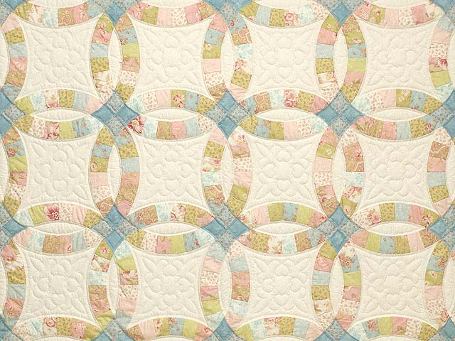 King Antique Pastels Double Wedding Ring Quilt Photo 3