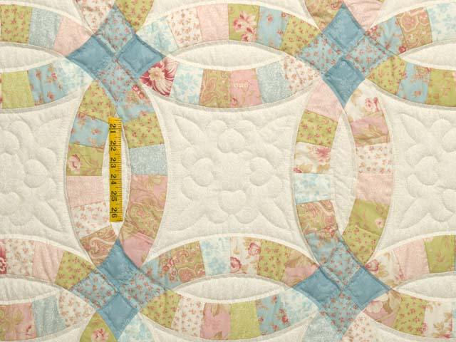 King Antique Pastels Double Wedding Ring Quilt Photo 4