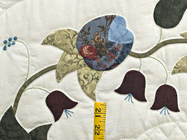 Blue and Cream Heart of Roses Quilt Photo 5