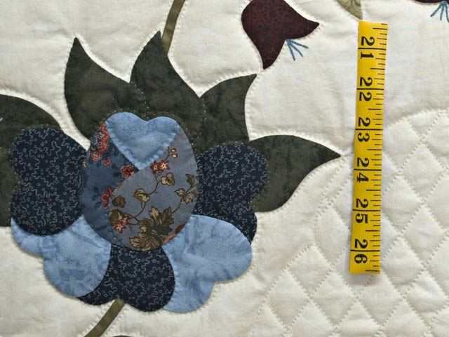 Blue and Cream Heart of Roses Quilt Photo 6