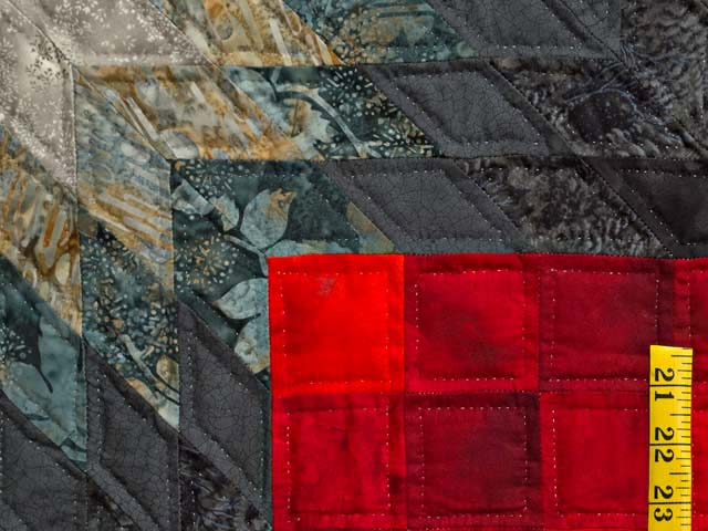 Black Red and Pewter Tumbling Star Quilt Photo 5