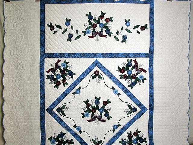Blue and Burgundy Rose of Sharon Quilt Photo 2
