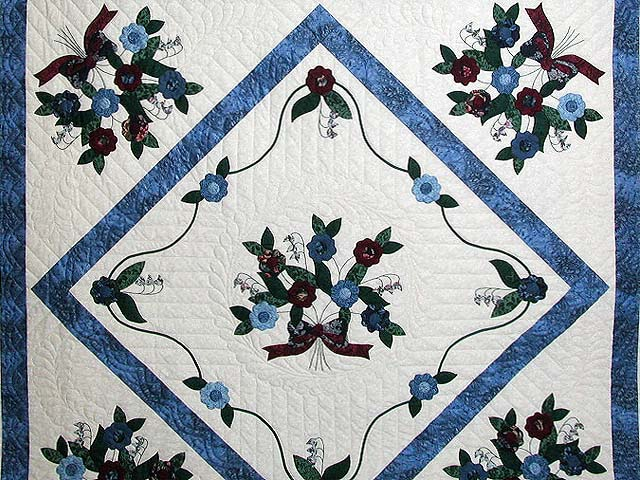Blue and Burgundy Rose of Sharon Quilt Photo 3