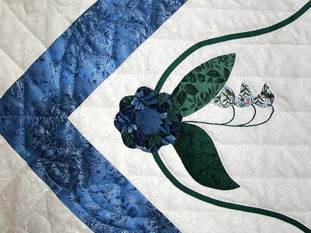 Blue and Burgundy Rose of Sharon Quilt Photo 6