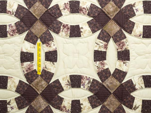 Brown and Tan Double Wedding Ring Quilt Photo 4