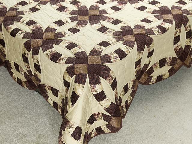Brown and Tan Double Wedding Ring Quilt Photo 7
