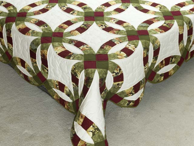 Moss Green Burgundy and Cream Double Wedding Ring Quilt Photo 7