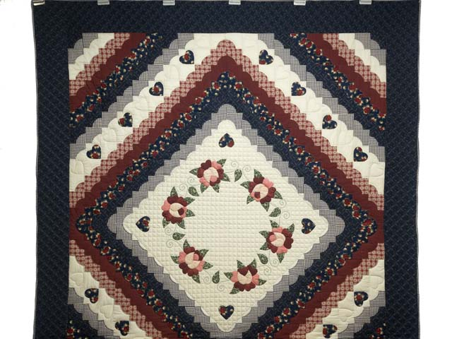 Navy and Burgundy Hearts All-Around Quilt Photo 2