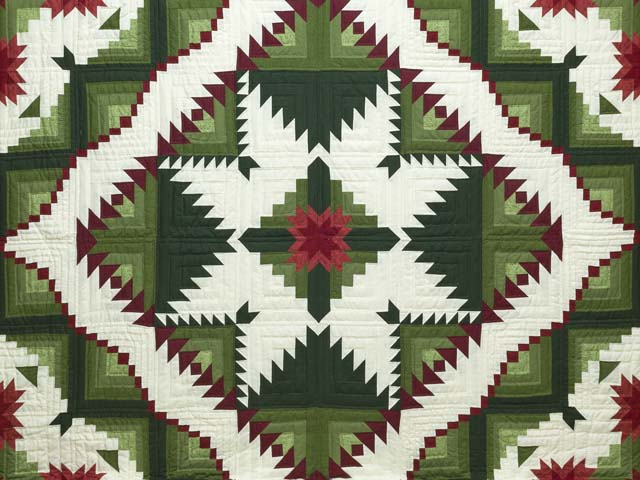 King Green and Red Eureka Quilt Photo 3
