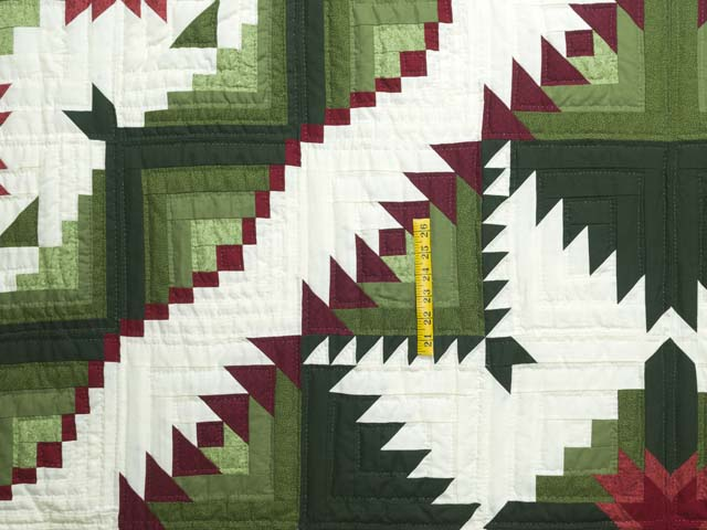 King Green and Red Eureka Quilt Photo 4