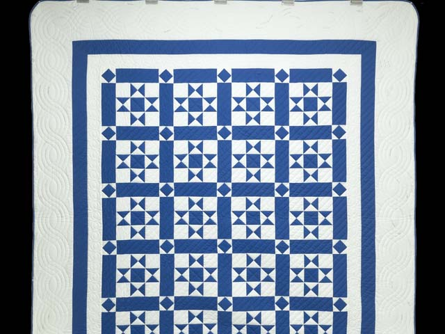 Blue and Cream Framed Ohio Star Quilting Bee Quilt Photo 2