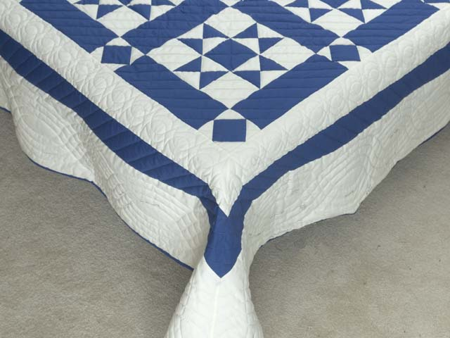 Blue and Cream Framed Ohio Star Quilting Bee Quilt Photo 7