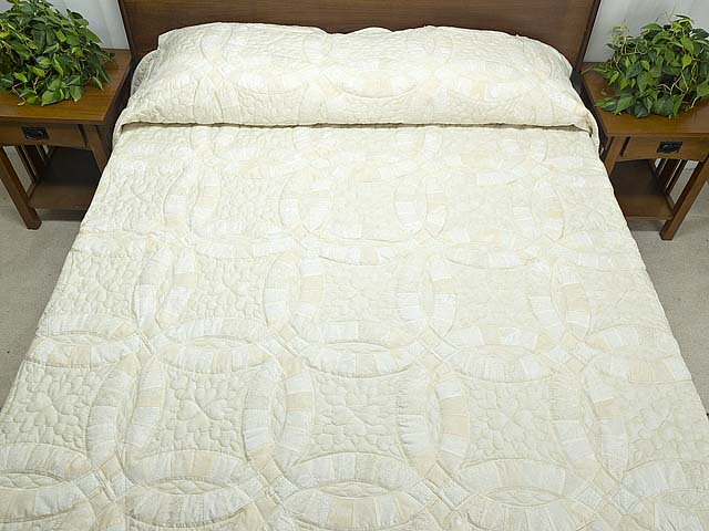 King All Neutrals Double Wedding Ring Quilt Photo 1