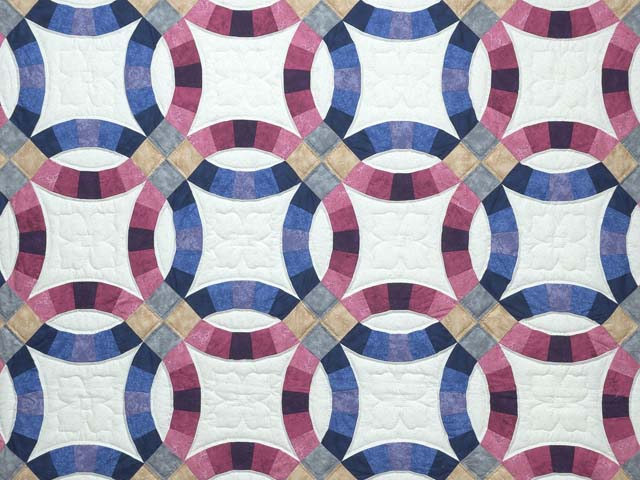 Blue and Rose Double Wedding Ring Quilt Photo 3