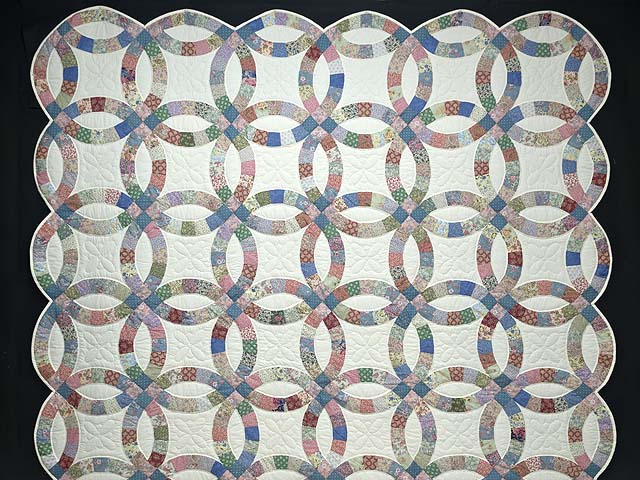 Pink Blue and Multicolor Double Wedding Ring Quilt Photo 2