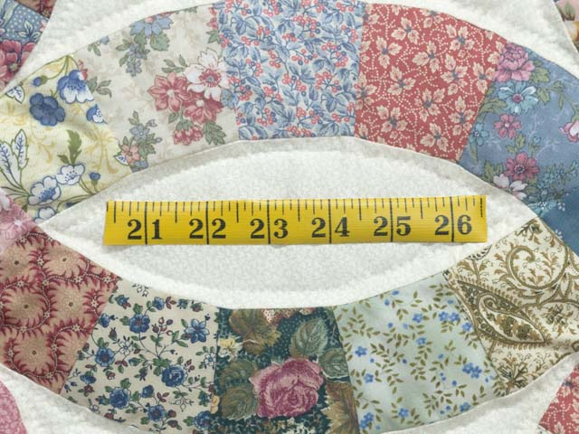Pink Blue and Multicolor Double Wedding Ring Quilt Photo 6
