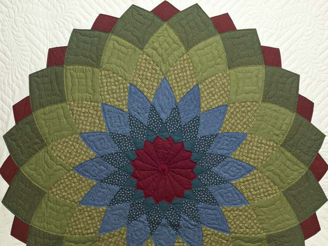 Multicolor Giant Dahlia Quilt Photo 3