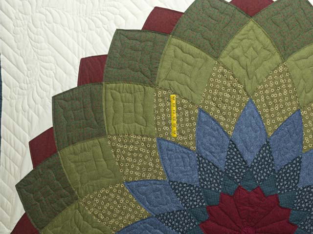Multicolor Giant Dahlia Quilt Photo 4