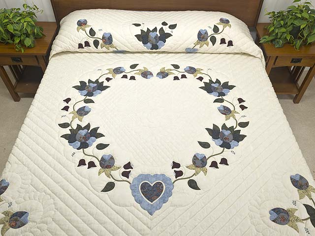 King Blue and Cream Heart of Roses Quilt Photo 1