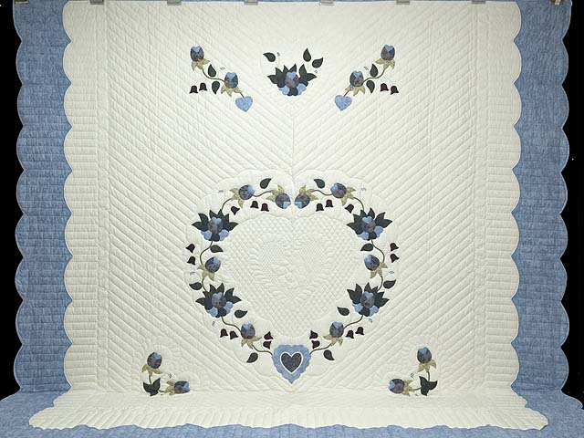 King Blue and Cream Heart of Roses Quilt Photo 2