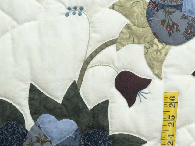 King Blue and Cream Heart of Roses Quilt Photo 5