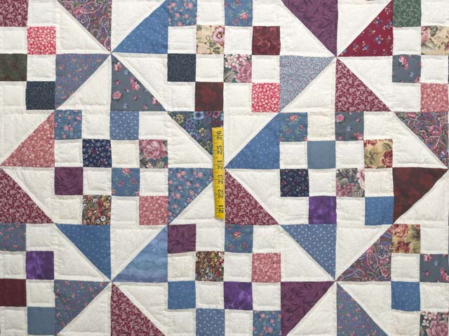Country Colors Pinwheel Chain Quilt Photo 4