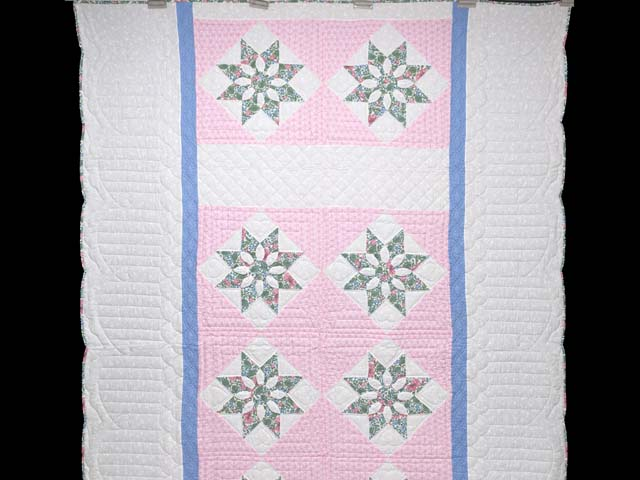 Twin Blue Pink and Green Dahlia Quilt Photo 2