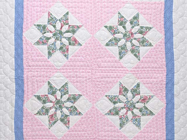 Twin Blue Pink and Green Dahlia Quilt Photo 3