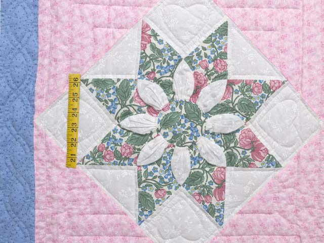 Twin Blue Pink and Green Dahlia Quilt Photo 4