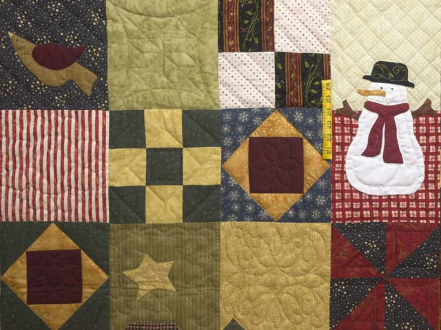 Christmas Sampler Quilt Photo 5