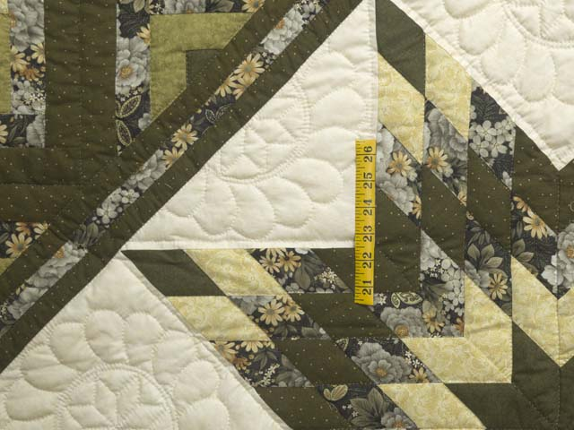 Moss Green and Golden Yellow Lone Star Log Cabin Quilt Photo 4