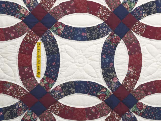 Cranberry and Navy Blue Double Wedding Ring Quilt Photo 4