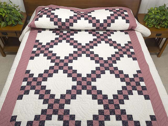 Twin Rose Black and Cream Irish Chain Quilt Photo 1