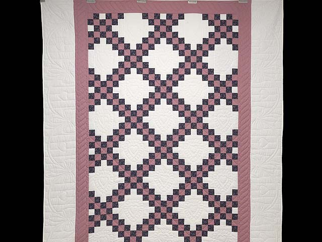 Twin Rose Black and Cream Irish Chain Quilt Photo 2