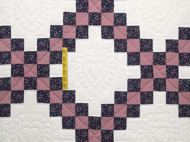 Twin Rose Black and Cream Irish Chain Quilt Photo 4