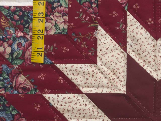 Red and Cream Lone Star Log Cabin Quilt Photo 5