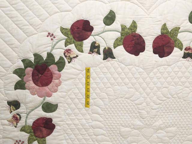 King Dark Green and Rose Heart of Roses Quilt Photo 4