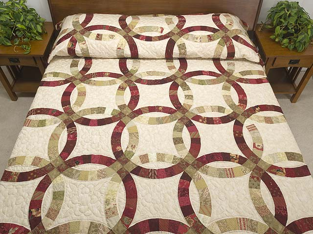 Red and Sage Double Wedding Ring Quilt Photo 1