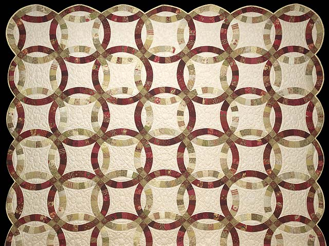 Red and Sage Double Wedding Ring Quilt Photo 2