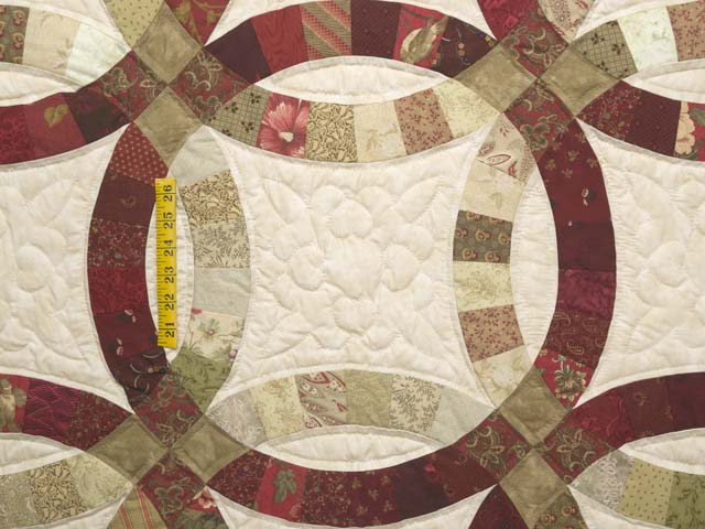 Red and Sage Double Wedding Ring Quilt Photo 4