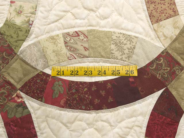 Red and Sage Double Wedding Ring Quilt Photo 5