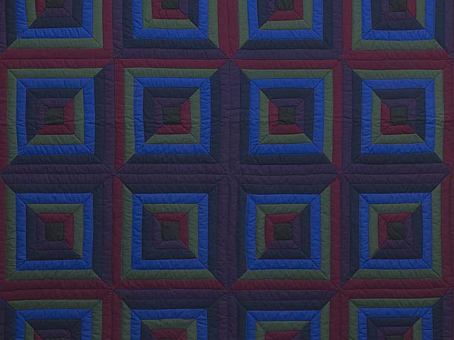 Amish Log Cabin Quilt Photo 3