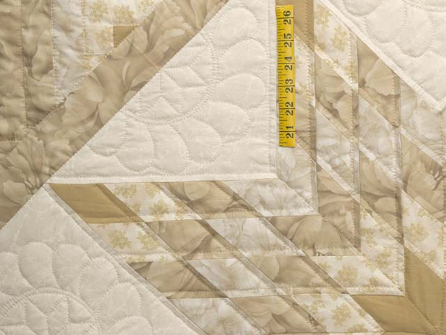 Beige Lone Star Log Cabin Quilt Photo 4