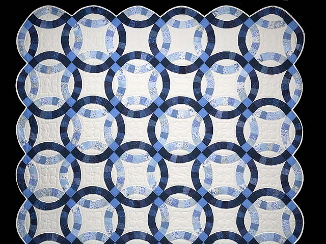 Blue Navy and Cream Double Wedding Ring Quilt Photo 2