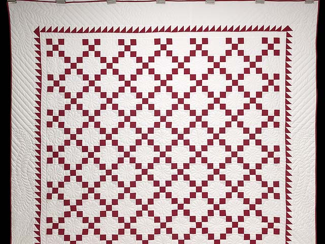 Red and White Nine Patch Quilt Photo 2