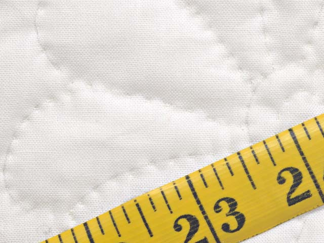 Red and White Nine Patch Quilt Photo 8
