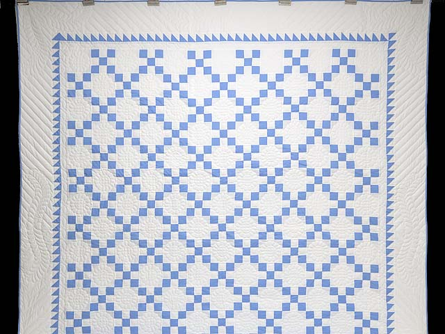 Blue and Cream Nine Patch Quilt Photo 2
