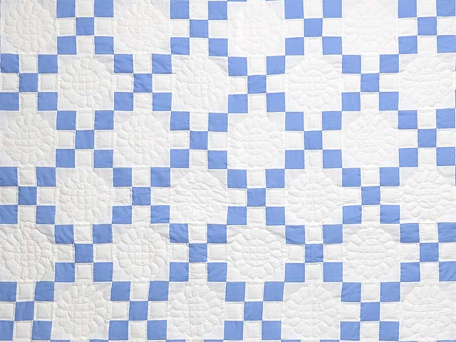 Blue and Cream Nine Patch Quilt Photo 3